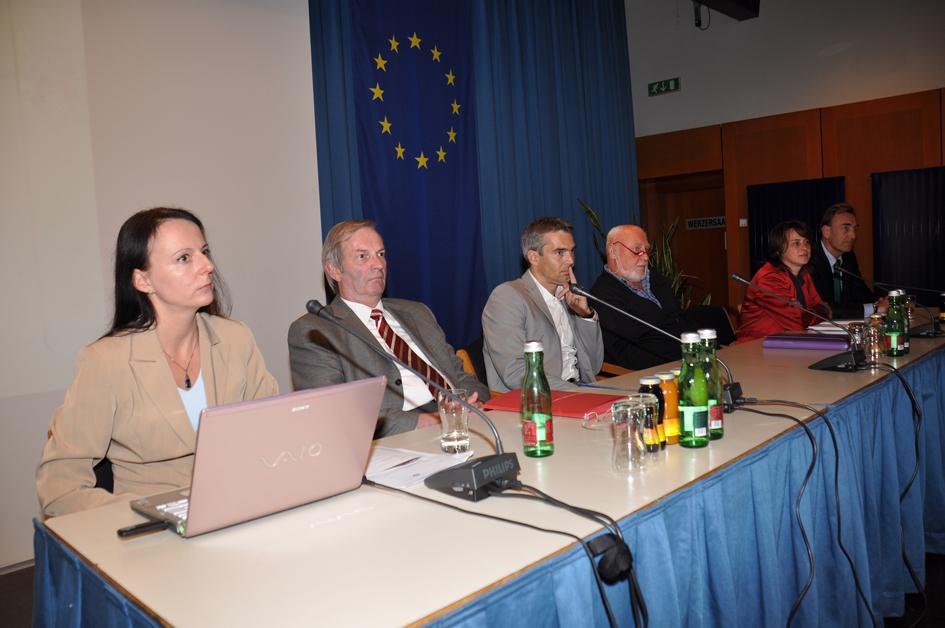Abschlussrunde: v. l. n. r.: Sabine Fisch, Dr. Erwin Kalbhenn, Prof. Gerald Gartlehner, Dr. Horst Sekerka, Mag. Ingrid Rosian-Schikuta